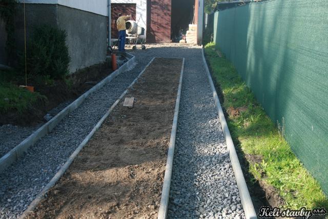 Zemní práce a pokládka zámkové dlažby